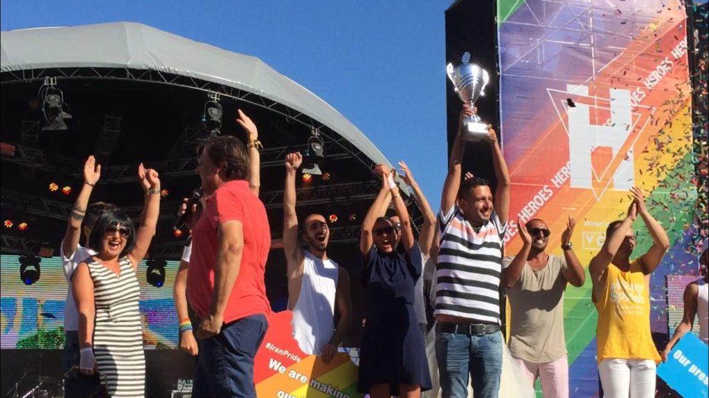 Raham Rafiee received the Iran Boat's award at Amsterdam Pride closing ceremony